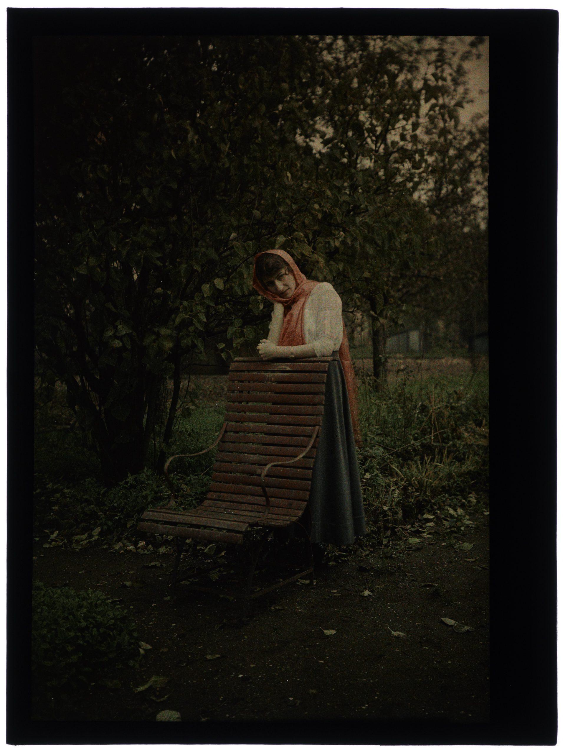 Une ou deux femmes au jardin