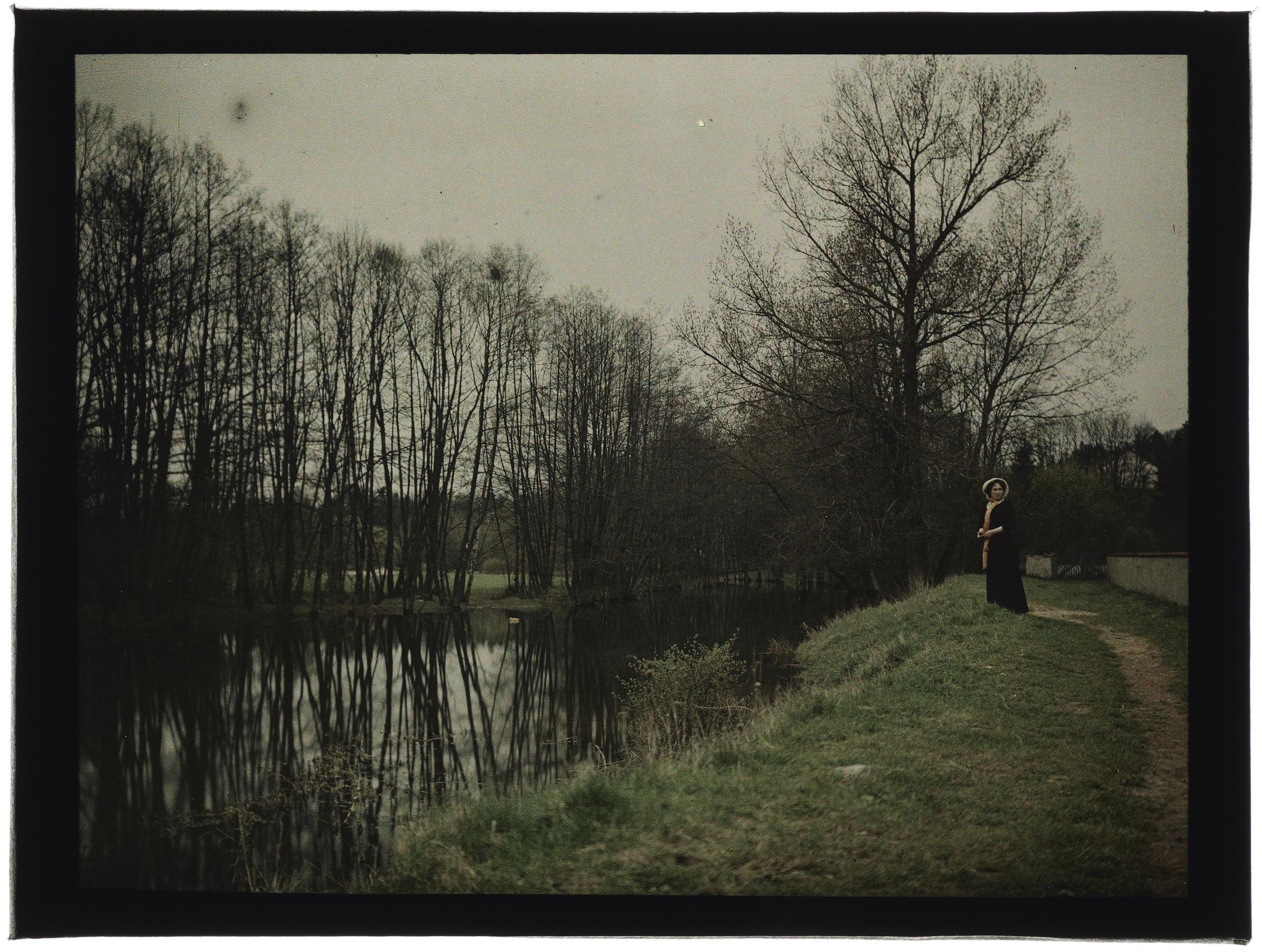 Femme(s) au bord de la rivière